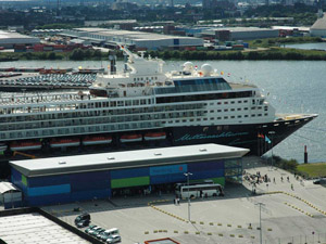 das Hamburg Cruise Center