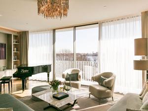 März 2018 öffnete Das Luxus Hotel The Fontenay Offiziell Seine Türen. The  Fontenay Bietet 130 Gästezimmer Und Suiten. Die Zimmer Haben Eine Größe Von  ...