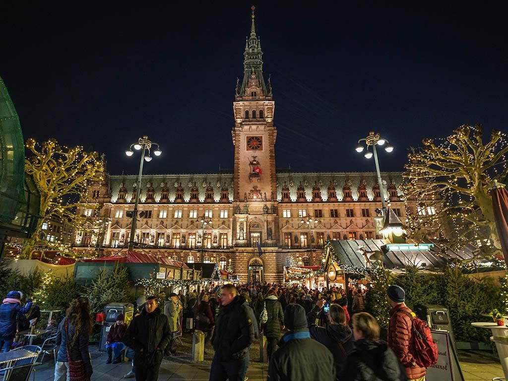 Hamburger Weihnachtsmarkt.Weihnachtsmarkt Rathausmarkt Hamburg De