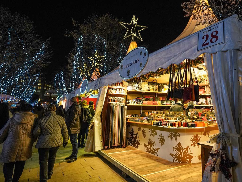 Weihnachtsmarkt Länger Als 24 12.Weihnachtsmarkt Jungfernstieg Hamburg De