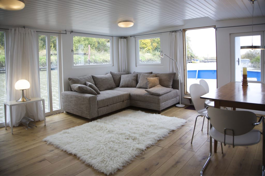 hausboot hamburg floating houses mieten event. Black Bedroom Furniture Sets. Home Design Ideas