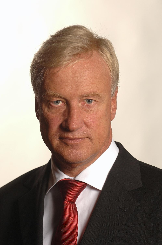 <b>Ole von Beust</b> neuer geschäftsführender Vorstand der Hamburger Stiftung für ... - pressefoto-ole-von-beust