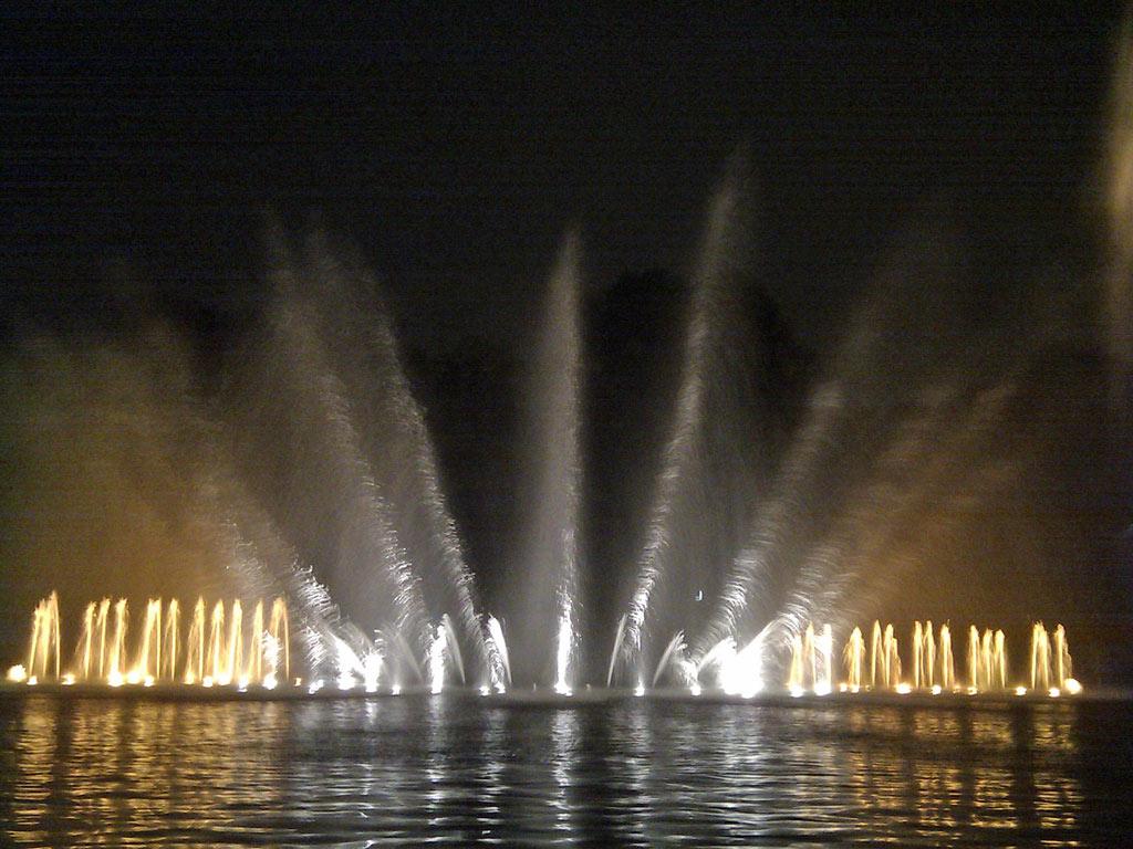 Wasserlichtkonzerte In Planten Un Blomen Hamburgde