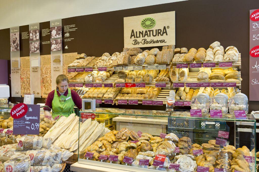 0176f2044f Über 30 verschiedene Brotsorten und regionale Spezialitäten gibt es in  jeder Alnatura Filiale