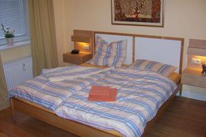 pension hamburg. Black Bedroom Furniture Sets. Home Design Ideas