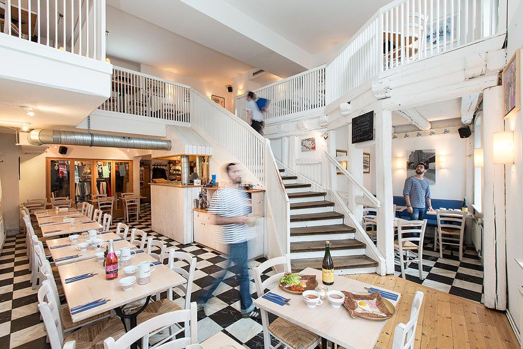 interieur des franzosischen restaurants petit bonheur petit bonheur cafe paris cafe paris
