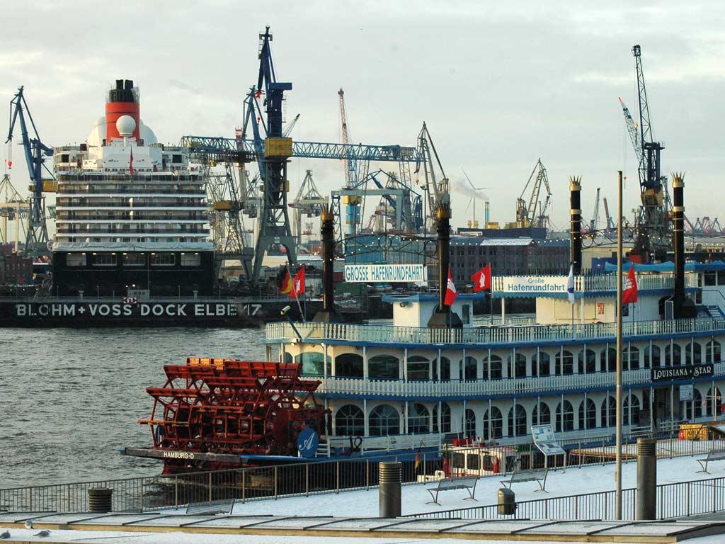 schiff landungsbrücken nach stade