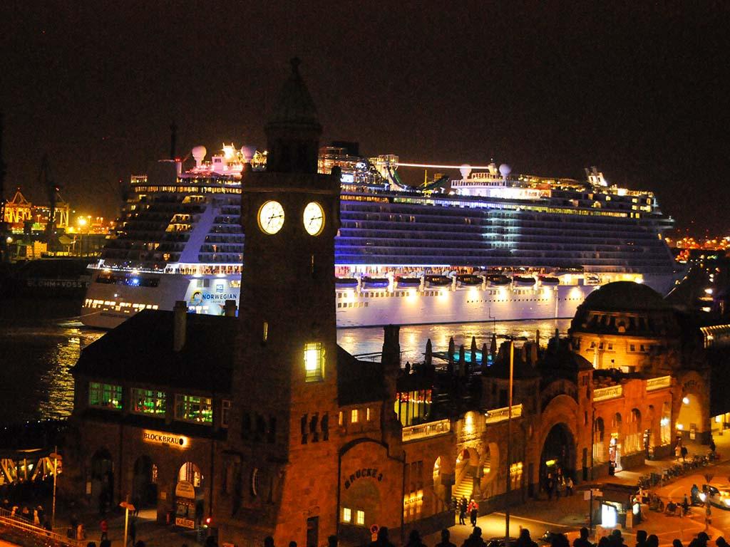 Norwegian Escape Hamburg empfängt größtes Kreuzfahrtschiff