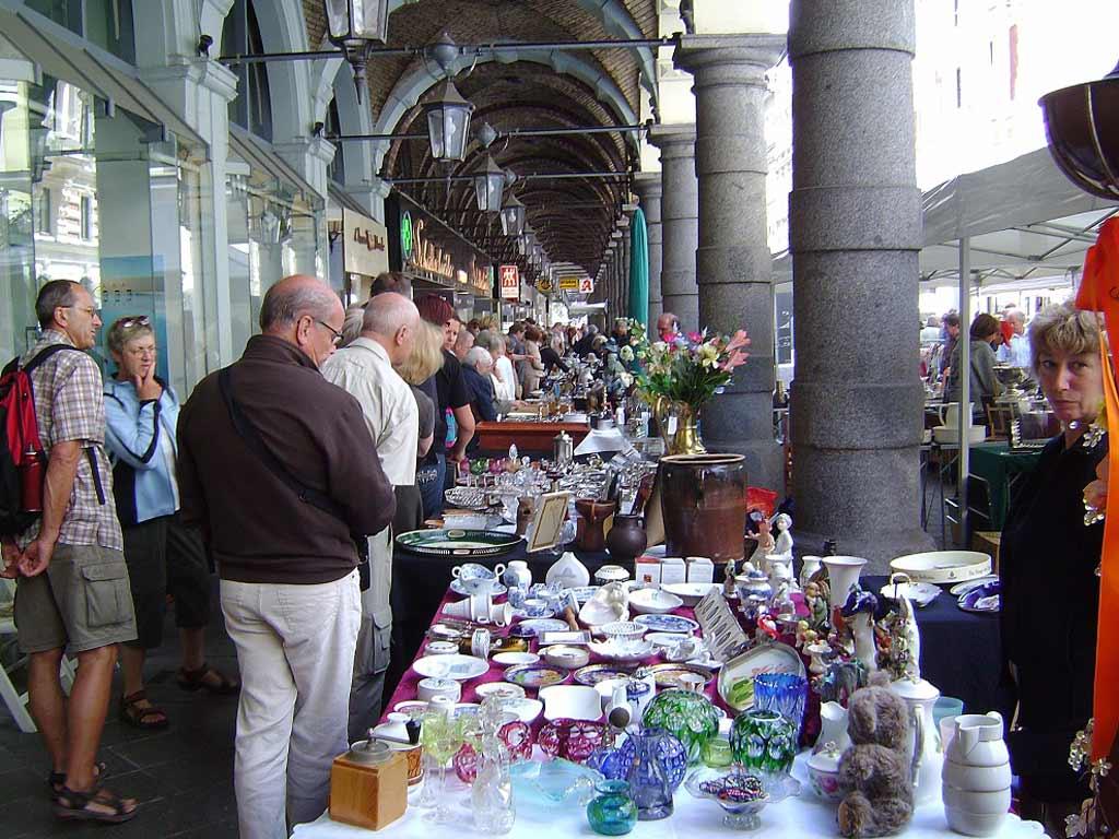 Antiquitäten Schätzen Lassen Hamburg : Antique market in den colonnaden hamburg