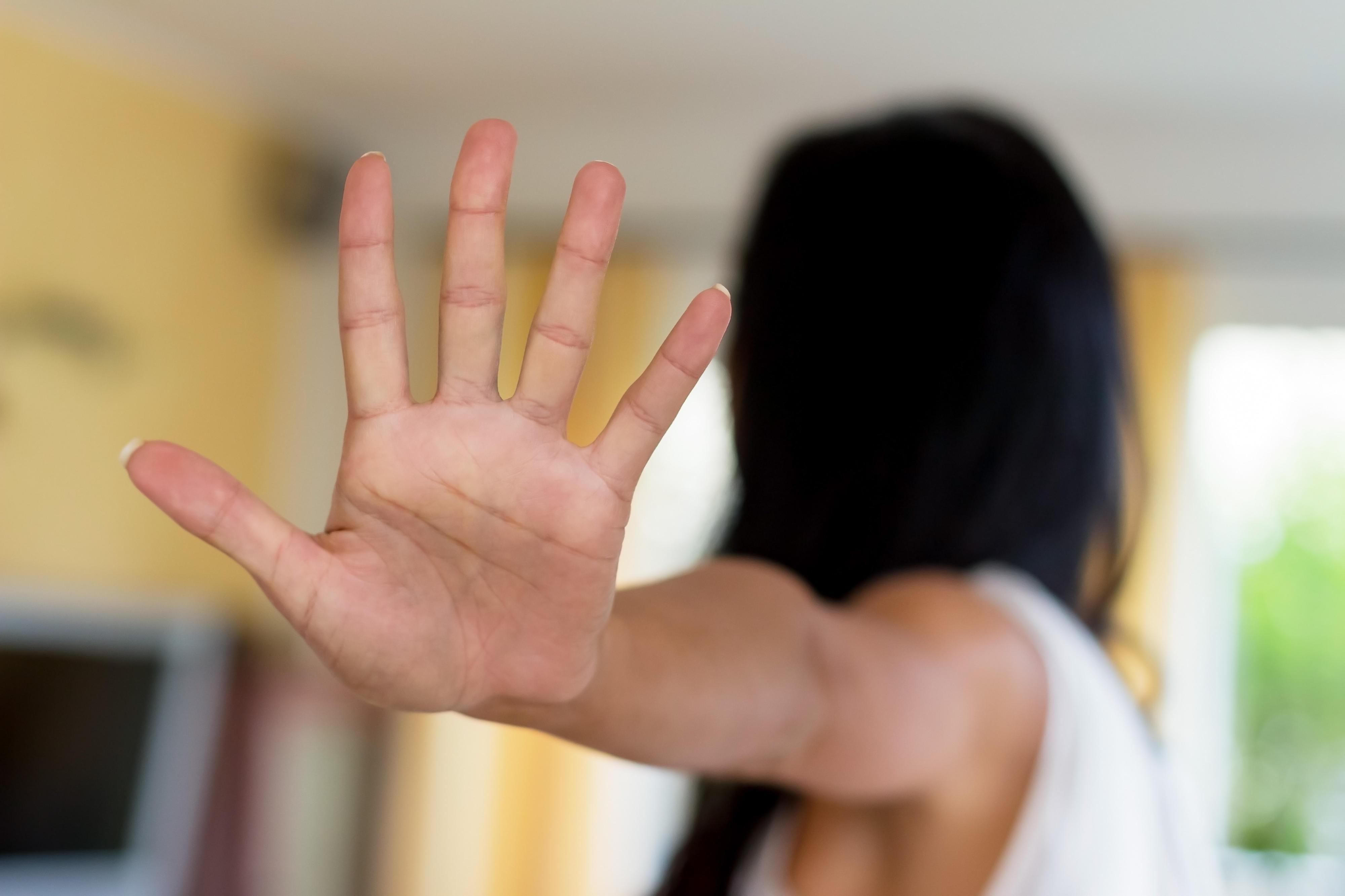 Online-Dating Sexualverbrechen Wie man mit der Datierung eines Freundes Mädchen beginnen
