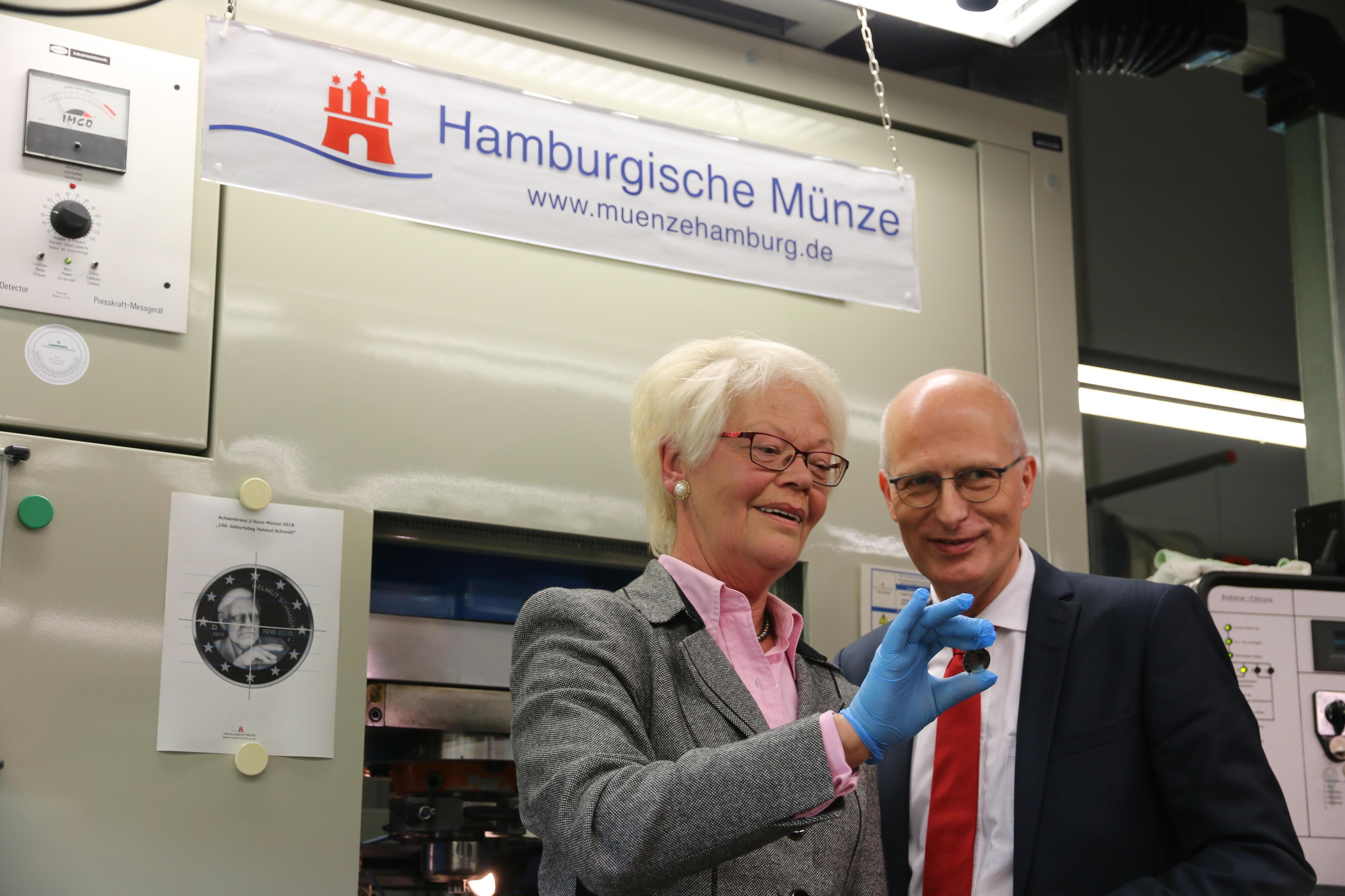 Zwei Euro Gedenkmünze Zu Helmut Schmidts 100 Geburtstag Hamburgde