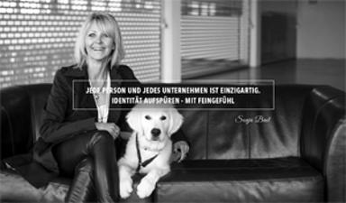 gestaltet [in hamburg] - Sonja Bast mit Golden Retriever