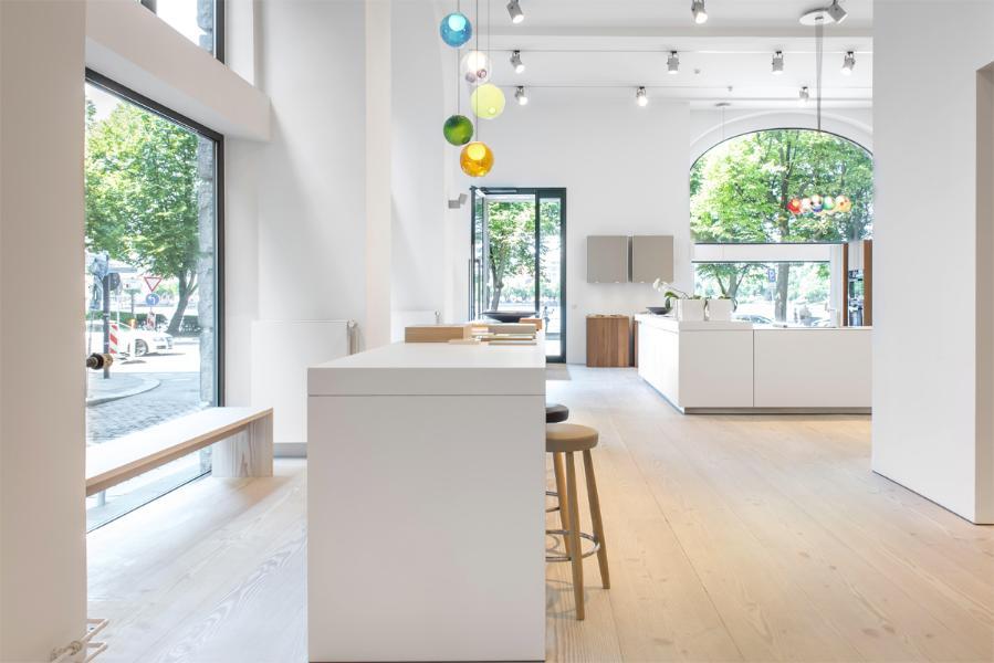 ausstellungsk chen bulthaup neuesten design kollektionen f r die familien. Black Bedroom Furniture Sets. Home Design Ideas