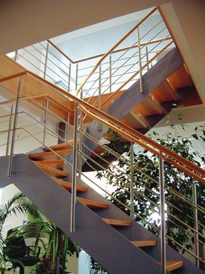 bewas treppenstudio und tischlerei gro e treppenausstellung in hamburg eidelstedt tischler. Black Bedroom Furniture Sets. Home Design Ideas