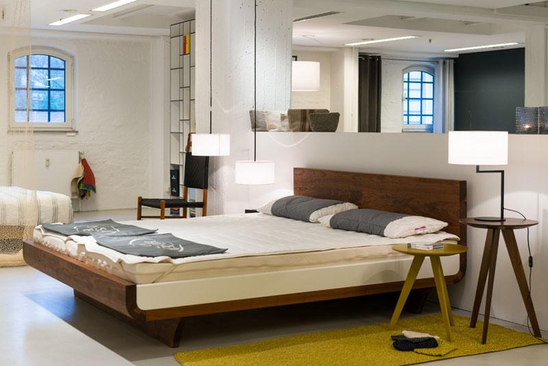 bettundraum h sler nest store im stilwerk hamburg betten matratzen premium partner bauen. Black Bedroom Furniture Sets. Home Design Ideas