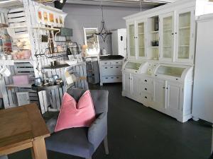 Blickfang Unikate Antike Landhausmöbel Wohnaccessoires