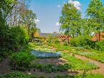 Kleiner Garten auf dem Gut Karlshöhe / Marek Santen