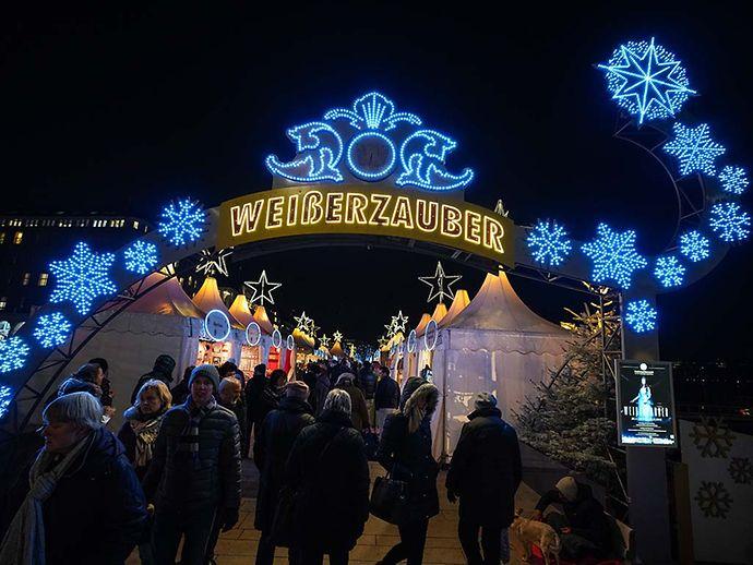 Weihnachtsmarkt Eröffnung Hamburg.Weihnachtsmarkt Jungfernstieg Hamburg De