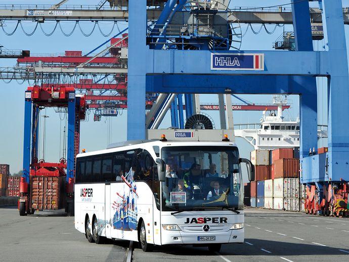 Jasper Bus Hamburg Auge In Auge Mit Den Giganten Hamburg De