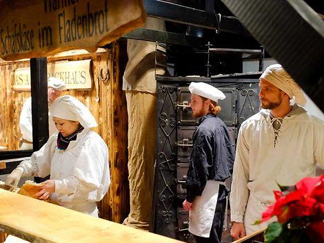 http://www.hamburg.de/image/3156884/4x3/470/353/682b1eac34d14bcd73aab6d1a377e1d3/YP/hamburger-weihnachtsmaerkte-in-der-innenstadt--36-.jpg