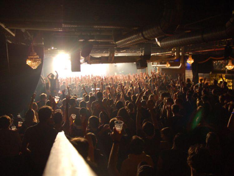 Uebel Amp Gef 228 Hrlich Club Im Bunker Hamburg De
