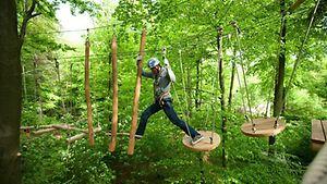 Nordwandhalle - Klettern im Park I / Patrick Schwalb