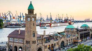 Landungsbrücken Hamburg / davis - Fotolia