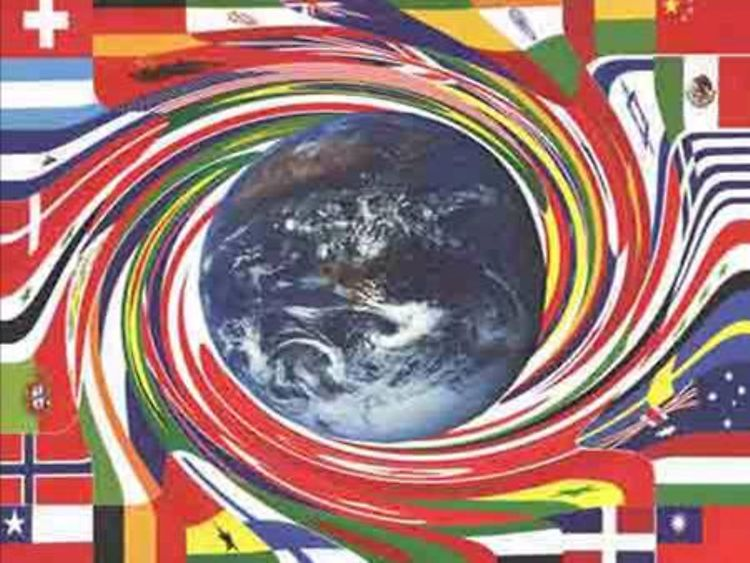 Flaggenstrudel/ National flags dissolving into a swirl of colours