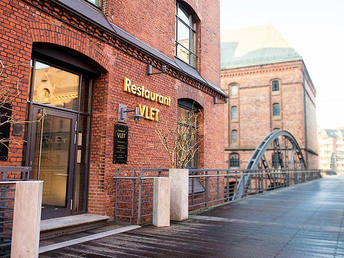 the 25+ best restaurant speicherstadt hamburg ideas on pinterest ...