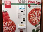 Pizza-Automat / Mathias Kröning