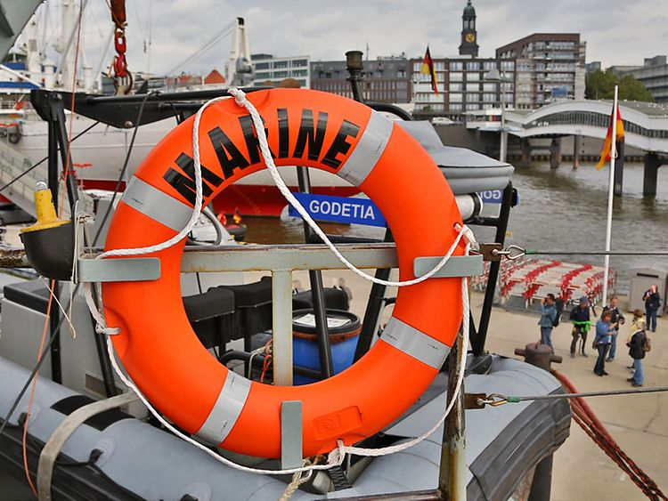 Open Ship: NATO-Schiffsverband besucht im September 2015 Hamburg