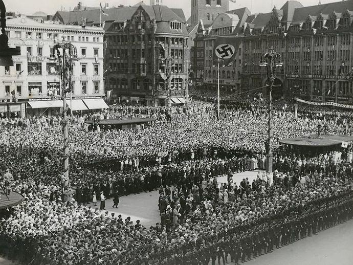 Rathausmarkt bei Besuch Hitlers