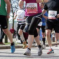 Läufer bei einem Lauftermin in der Hamburger Innenstadt  / Sportfoto André Latendorf