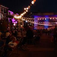 Chillen auf dem Hamburger Nachtmarkt  / Sarah Schafer
