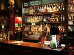 Die renommierte Bar Christiansen hat sich der klassischen Barkultur verschrieben und versüßt seinen Gästen den Feierabend mit einem breiten Angebot an alkoholischen Getränken. / Uwe Christiansen