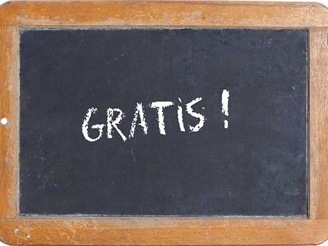 Gratis - Schrift auf Tafel / imago stock & people
