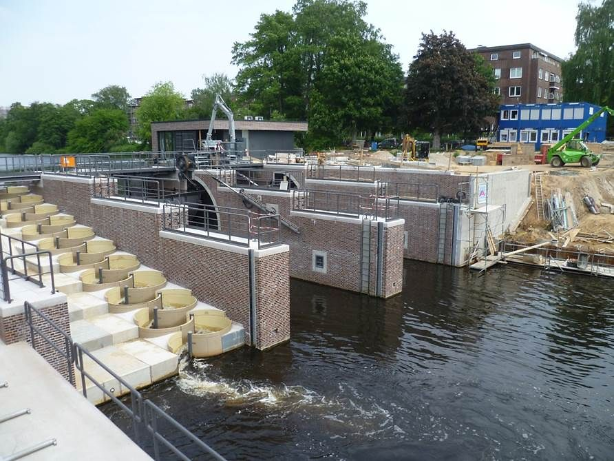 Fuhlsbüttel sluice with fish ladder