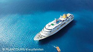 Luftaufnahme der MS Hamburg / PLANTOURS Kreuzfahrten