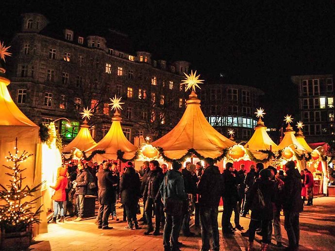 Wie Lange Hat Der Weihnachtsmarkt Auf.Weihnachtsmarkt Fleetinsel Hamburg De